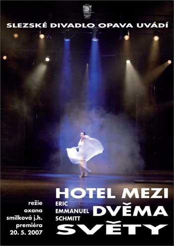 Hotel mezi dvěma světy - plakát