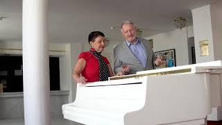 Pro milovníky opery chystáme tradiční MATINÉ, tentokrát na jevišti. Srdečně zve Libuše Vondráčková a Evžen Trupar.